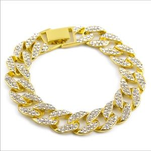 Other - New 18 k yellow gold bracelet